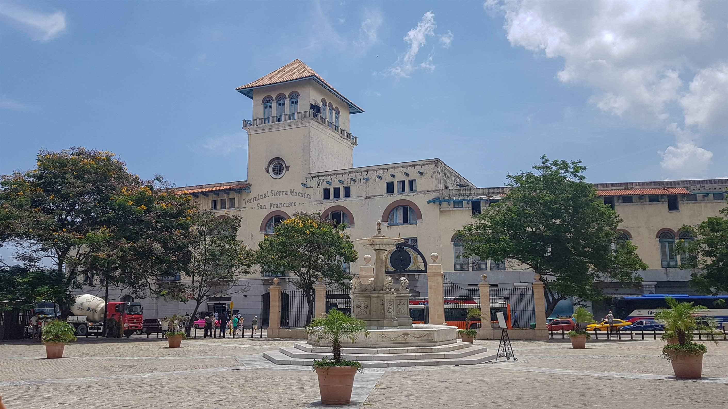Plazza Iglesia y Covento San Fransisco de Asis, La Havane, Cuba