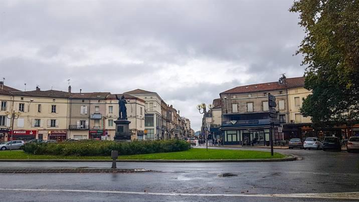 Place Jasmin, Agen