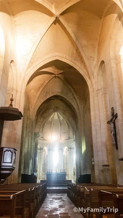 Abbaye de Vertheuil