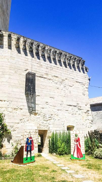 La tour de l'honneur Lesparre
