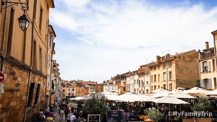 Place des Cardeurs à Aix-en-Provence